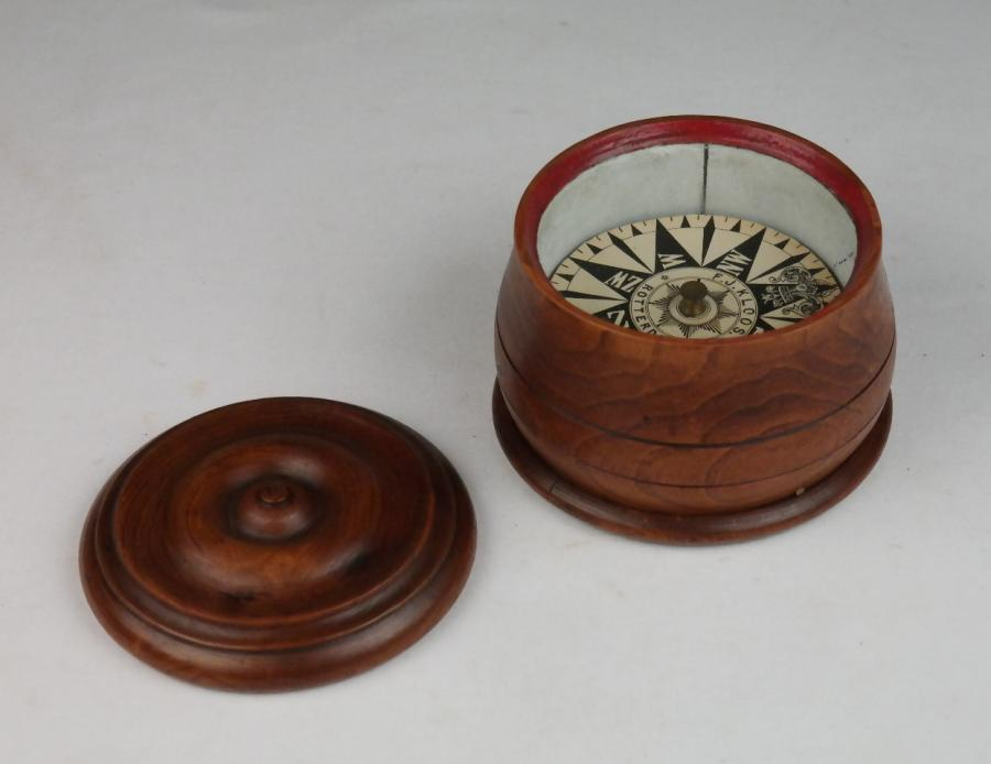 Whaling Compass in binnacle of limewood – Kloos, Rotterdam, Netherlands