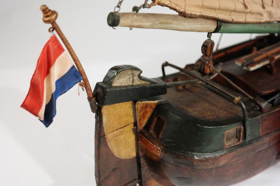 Ship model of a Dutch freighter for inland waterways – 19th century