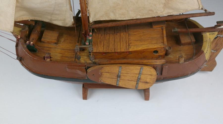 Ship Model of a Dutch Boyer under full Sail – early 20th century
