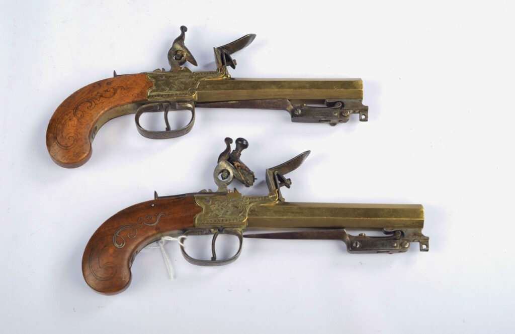 Two Navy Flint Pistols with foldable bayonet – France, 18th century
