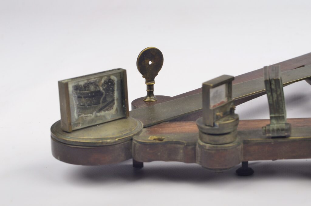 15-inch mahogany Octant owned by T. Saunders – 18th century