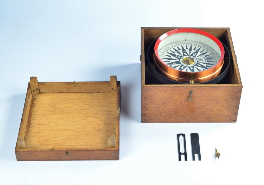 Large Azimuth or Bearing Compass with Dry Card in copper Bowl – Boosman, Amsterdam